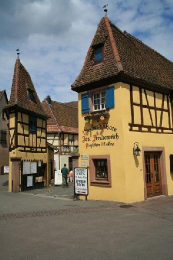 Eguisheim, il paese dove il tempo pare essersi fermato